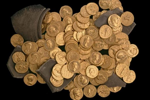 hoard of roman gold coins