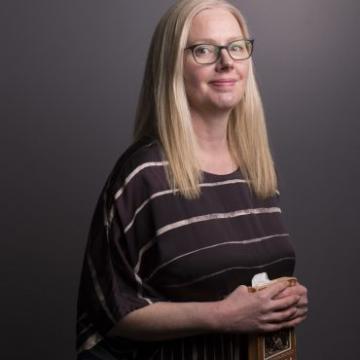 Dr Lisa Mullen